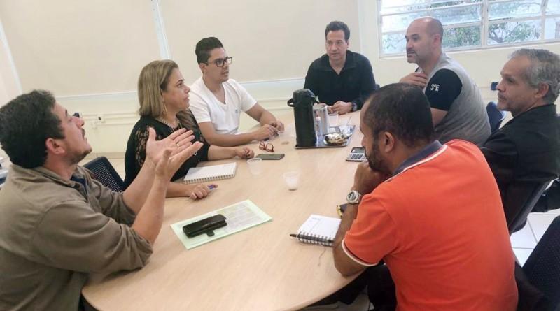 Secretária Valéria dos Santos recebe os vereadores da Comissão Municipal de Saúde