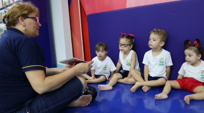 Atendimento à crianças na Apae; associação fecha parceria com EDP para garantir economia de energia (Foto: Divulgação)
