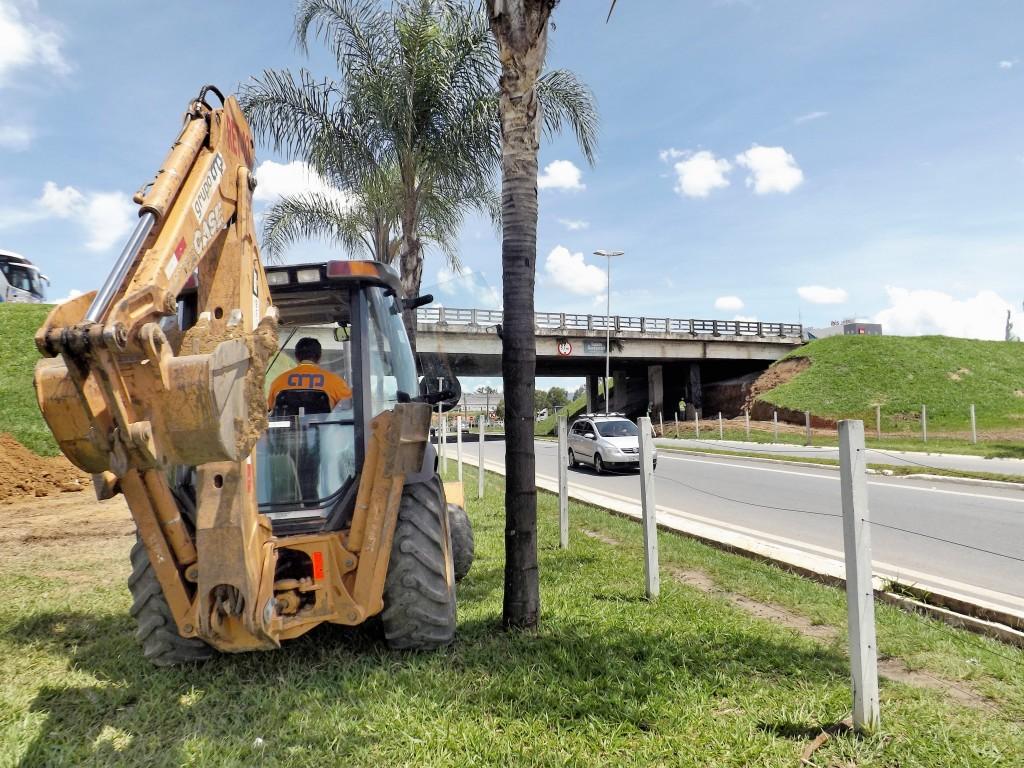 Início das obras no acesso a Lorena; pista terá interdição de faixa por 35 dias (Foto: Lucas Barbosa)