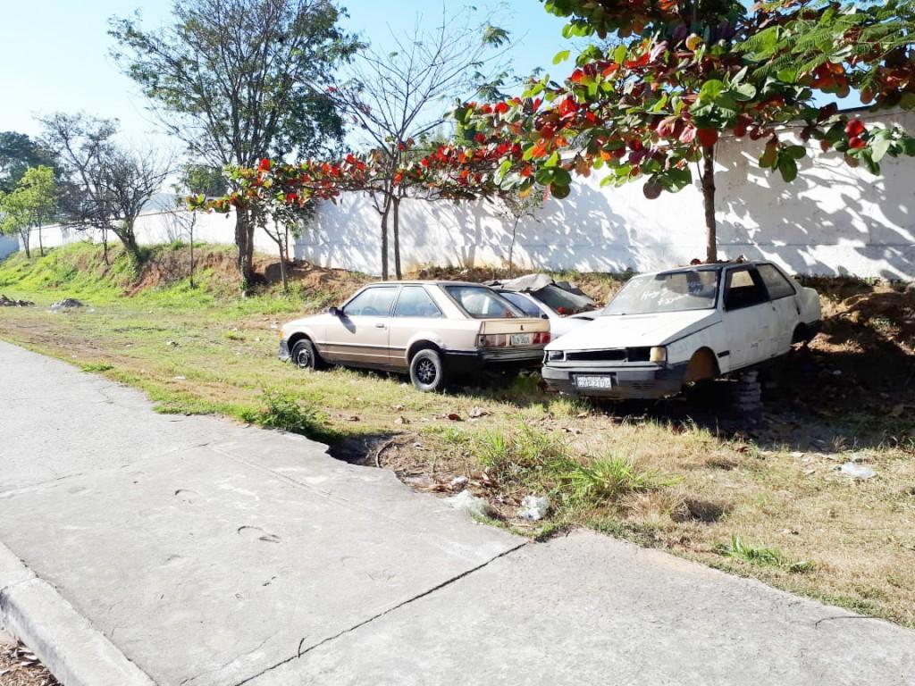 Veículos abandonados nas ruas de Cruzeiro; Prefeitura implanta sistema que promete acabar com alto número de carros deixados nas ruas (Foto: Divulgação PMC)