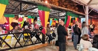 """""""10ª Semana da Arte"""" preserva legado do trabalho de artesãos em Silveiras"""