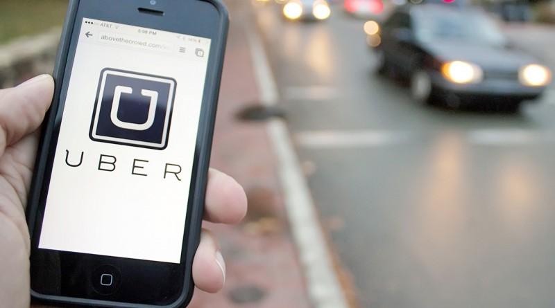 Aplicativo Uber que gera discussão em Guará com os primeiros carros do serviço (Foto: Reprodução)