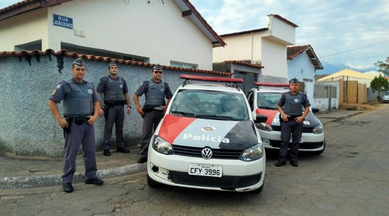 Polícia Militar durante operação na Vila Loyelo; bairro é um dos principais pontos de ação contra violência (Foto: Reprodução)