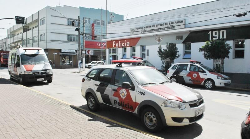 Sede da Polícia Militar, no Centro de Cruzeiro; retomada de trabalho do Conseg tenta fortalecer ações de combate à criminalidade no município (Foto: Andreah)