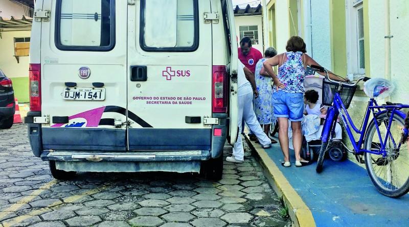 Atendimento na Santa Casa de Cachoeira Paulista, um dos pontos da crise no atendimento da cidade (Foto: Arquivo Atos)