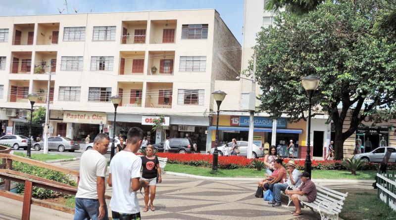 Praça na região central de Pinda; programa vai revitalizar espaços da cidade (Foto: Arquivo Atos)