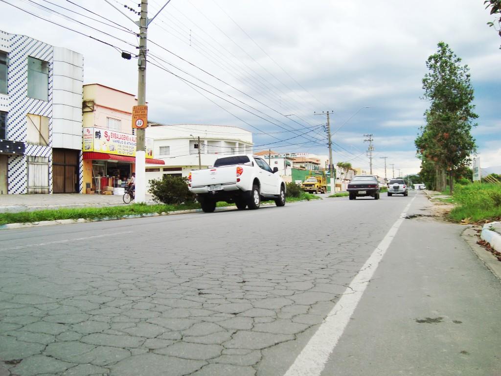 A avenida Sólon Pereira, um dos focos de obras custeadas com verbas liberadas pelo Dade; investimento para restauração de acesso a Potim (Foto: Arquivo Atos)