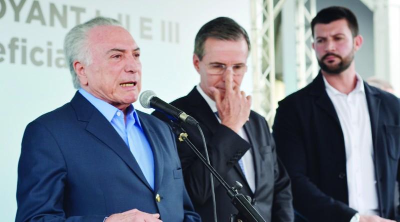 O presidente Michel Temer, durante passagem por Guará; Ministério segura investimento após avaliação (Foto: Leandro Oliveira)