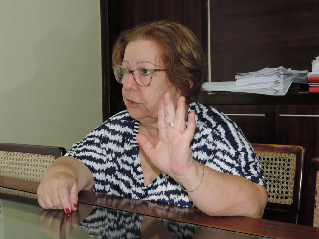 Teca Gouvêa que reassumiu a Prefeitura após processo de abandono de prédios públicos (Foto: Rafaela Lourenço)