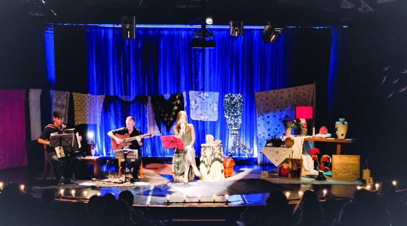 A cantora Eugénia Melo e Castro se apresenta ao lado do violonista Swami Jr; em Lorena, dupla faz show gratuito no Teatro Teresa D'Ávila (Foto: Divulgação)