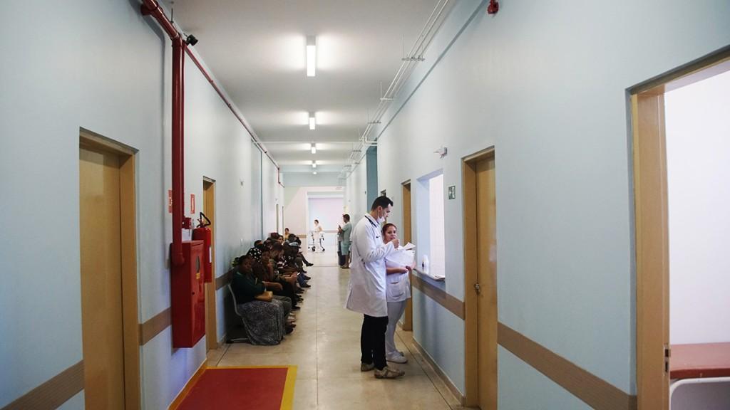 Um das alas do hospital que passa por reforma; término está previdto para x