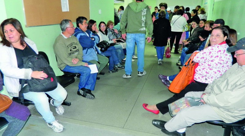 """Pacientes aguardam atendimento em hospital da região; no Vale, Guará também aguarda """"Mais Médicos"""" (Foto: Arquivo PMP)"""