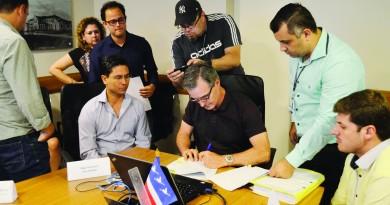 O prefeito Marcus Soliva, durante reunião por Plano de Carreira para servidores municipais de Guará (Foto: Leandro Oliveira)