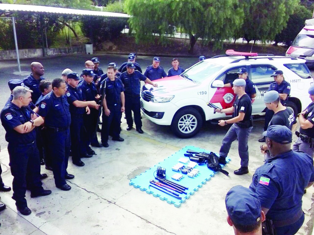Treinamento da Guarda Municipal com a Polícia Militar; Pinda tenta reforçar ações contra a criminalidade (Foto: Divulgação PMP)