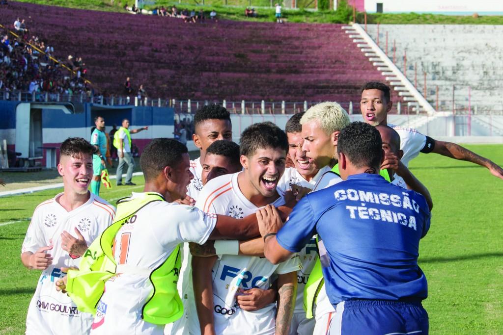 Os garotos que foram sucesso na Copa São Paulo com a melhor campanha da Laranja na competição; futuro pode ter obstáculo com rescisão (Foto: Bruno Motta)