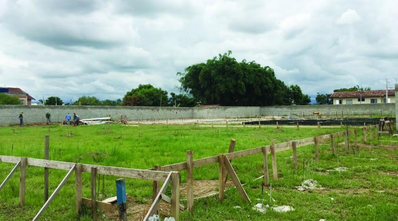 Terreno que receberá a futura creche do Pingo de Ouro; Prefeitura investe para ampliar atendimento (Foto: Letícia Noda)