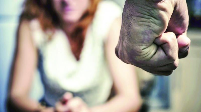 Agressões em Potim e Aparecida engrossam estatísticas que revelam perído de aumento nas ocorrências; marido é preso após ataque (Foto: Reprodução)