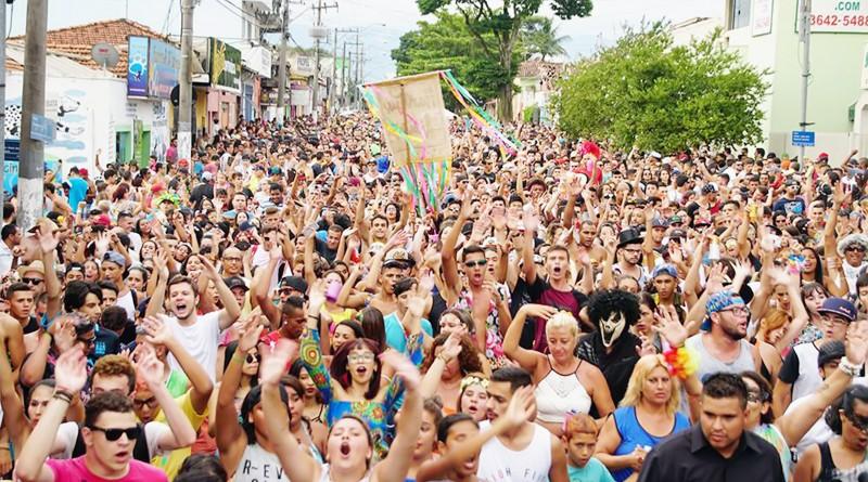 Folia nas ruas de Pindamonhangaba; região conta com série de eventos para comemorar festa de Momo (Foto: Reprodução PMP)