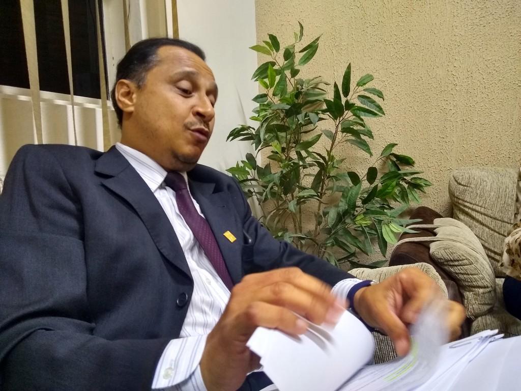 O vereador Paulo Vieira, que tenta emplacar projeto para aumento de cadeiras na Câmara de Cruzeiro (Foto: Rafael Rodrigues)