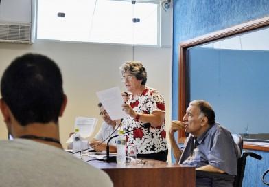 Na tentativa de averiguar denúncias, vereadores são barrados em creche municipal de Aparecida
