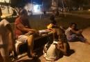 Moradoras de Potim criam biblioteca em praça pública