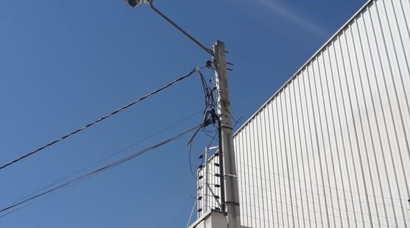 Câmera instalada nas ruas de Caraguatatuba; cidade investe em sistema de identificação para reforçar segurança pública no Litoral Norte (Foto: Reprodução)