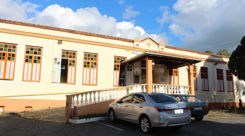 Entrada da Casa de Repouso Santa Isabel, que lançou campanha para atrair apoiadores; serviço enfrenta déficit de R$ 10 mil por mês (Juliana Aguilera)