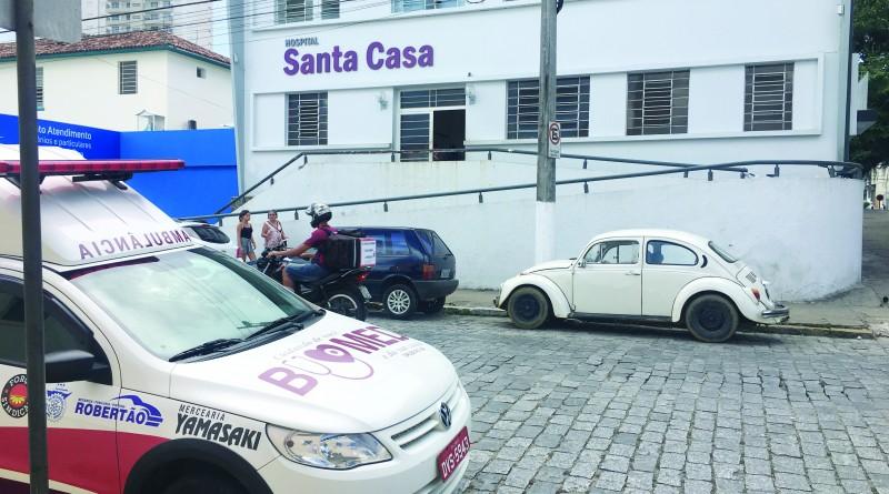 A Santa Casa de Cruzeiro, uma das que sofre com recursos escassos (Foto: Jéssica Dias)