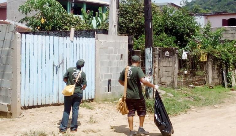 Vigilância Epidemiológica de Ubatuba em ação contra dengue (Foto: Divulgação PMU)