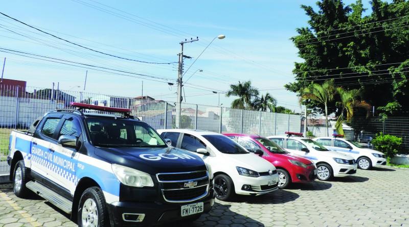 Viatura da GCM, que teve estrutura ampliada com anúncio de investimento de R$ 226 mil em equipamentos; órgão reforça ação de segurança (Foto: Rafaela Lourenço)