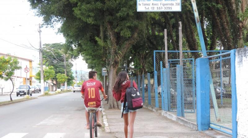 A escola estadual Arnolfo Azevedo em Lorena, que e uma das contempladas com a verba do Estado; investimento será fracionado em três anos (Foto: Rafaela Lourenço)