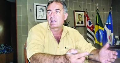 O prefeito afastado Ernaldo Marcondes alvo de CPI na Câmara; comissão é barrada por falta de documentos (Foto: Arquivo Atos)