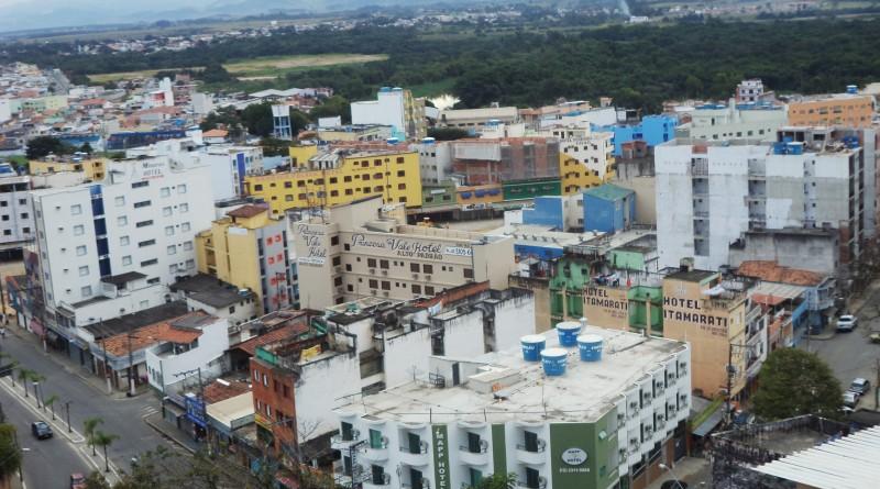 Vista aérea de Aparecida; poder público recebe notificação para laudos de segurança em creches, escolas e até mesmo Câmara e Prefeitura (Foto: Reprodução)