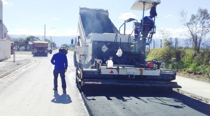 Trabalho de pavimentação no distrito de Moreira César, concluída pela Prefeitura de Pindamonhangaba (Foto: Reprodução PMP)