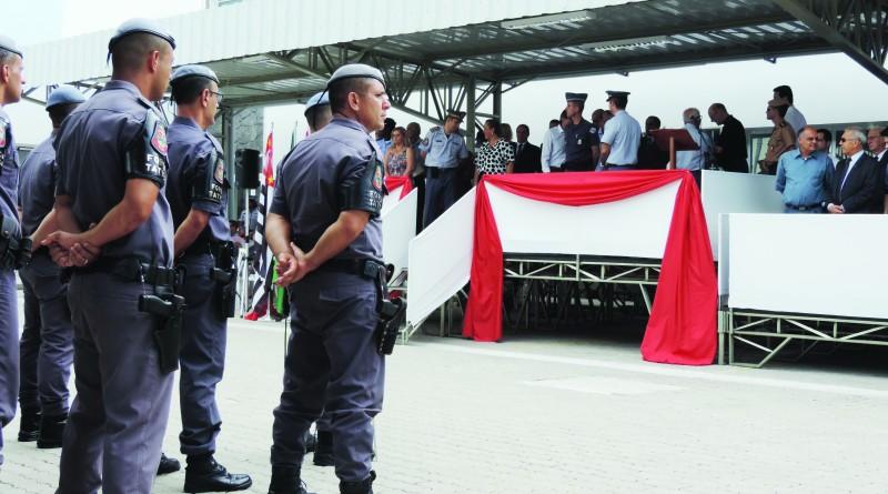 Policiais militares, durante evento no batalhão de Lorena; Vale aguarda reforço de monitoramento de Doria (Foto: Rafaela Lourenço)