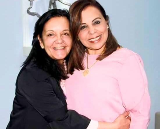 Prefeita Dina Moraes com Lucila Ferraz, nova secretária de educação, nomeada na última semana (Foto: Reprodução)
