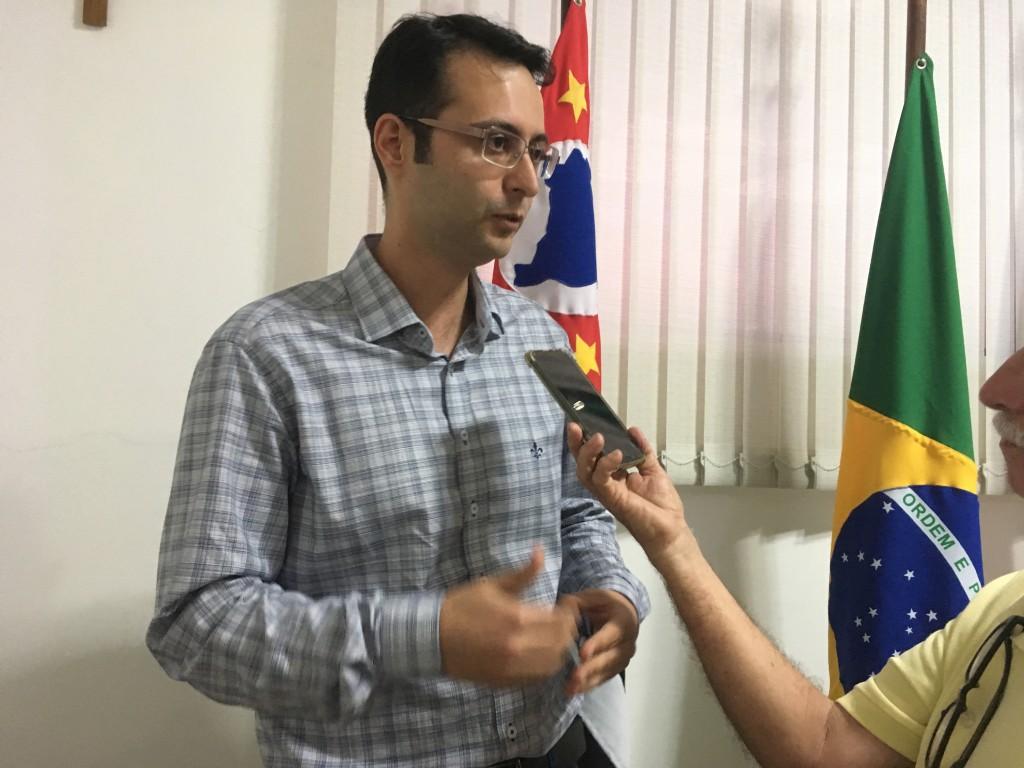 Secretário de Governo, Daniel Oliveira, que confirmou expectativa para expansão da área urbana em 30% (Foto: Leandro Oliveira)