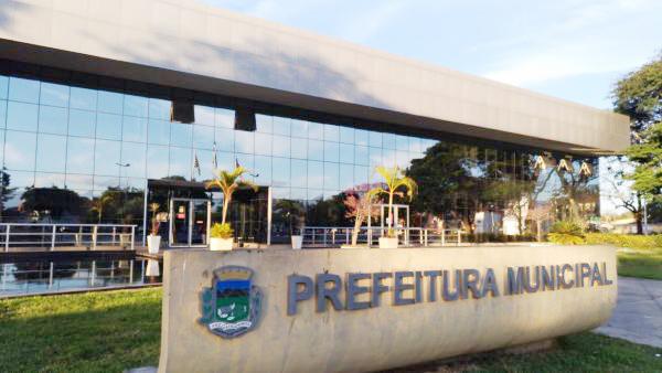 Sede da Prefeitura de Pindamonhangaba; Executiva mantém suspensão do concurso público realizado no último dia 4 (Foto: Divulgação PMP)