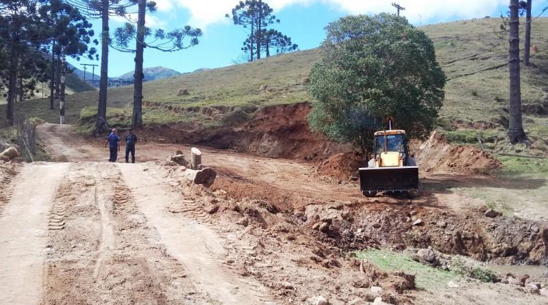 Obras na área rural de Silveiras; investimento municipal atende cinco bairros (Foto: Divulgação PMS)