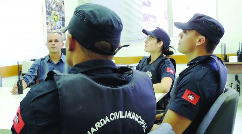 A Guarda Municipal de Lorena, que passa a contar com bicicletas para ampliar e facilitar policiamento (Foto: Rafaela Lourenço)