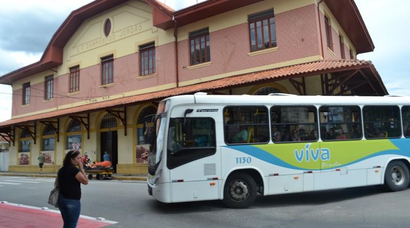 A Prefeitura de Pindamonhangaba suspendeu, nesta sexta-feira, a licitação para concessão do transporte coletivo na cidade após determinação do TCE (Foto: Arquivo Atos)