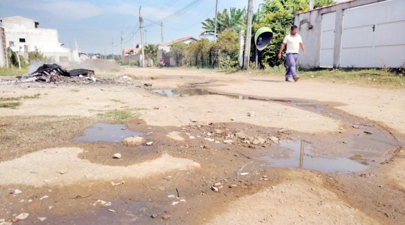 Rua no bairro Santa Edwiges que aguarda asfaltamento; Prefeitura tem prazo de um ano (Foto: Arquivo Atos)