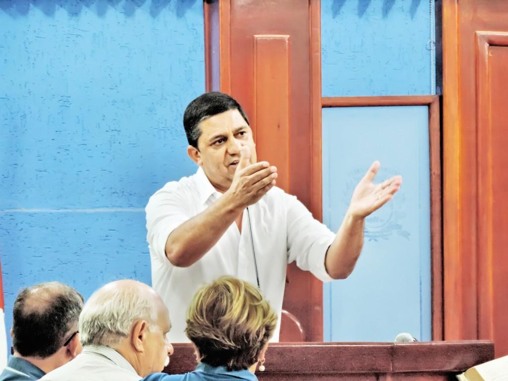 O prefeito afastado Edson Mota que responde por contrato ilegal com empresa de advocacia; Vice, Domingos assume por 180 dias (Foto: Arquivo Atos)