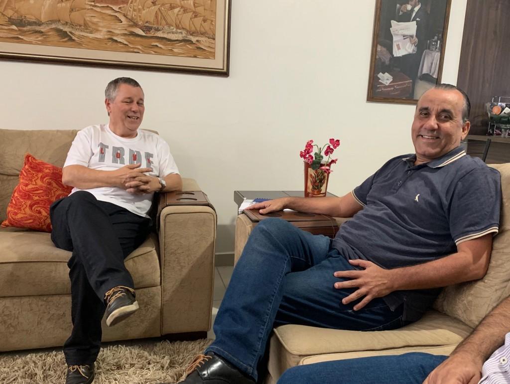 O vereador João Pita que retornou a Câmara e Marinho, novo secretário de Turismo de Guará (Foto: Leandro Oliveira)