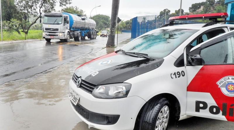Viatura da Polícia Militar em Cruzeiro; forças policiais prenderam suspeitos de assassinato na cidades, nesta madrugada (Foto: Arquivo Atos)
