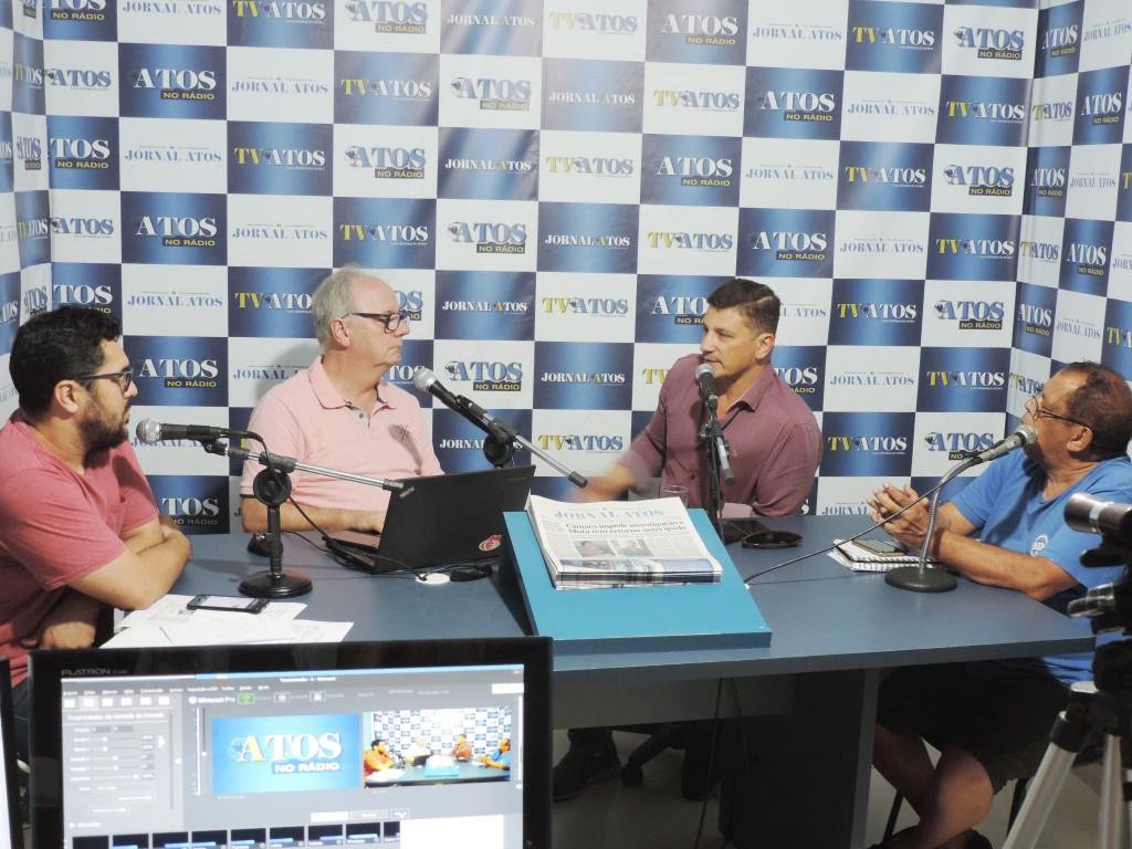 Isael Domingues durante o programa Atos no Rádio na última sexta-feira (25)