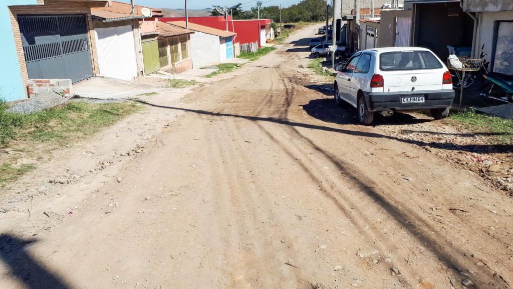 Uma das ruas que receberão a pavimentação em Cruzeiro; Prefeitura acredita pavimentar até 80% da cidade até 2020 (Foto: Reprodução PMC)