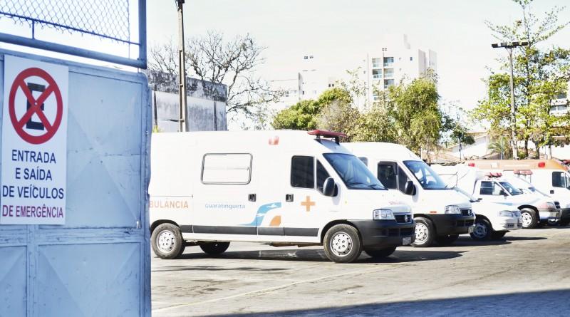 Veículos utilizados pela secretaria de Saúde de Guará; transporte de pacientes terá terceirização para fora do Vale (Foto: Divulgação PMG)