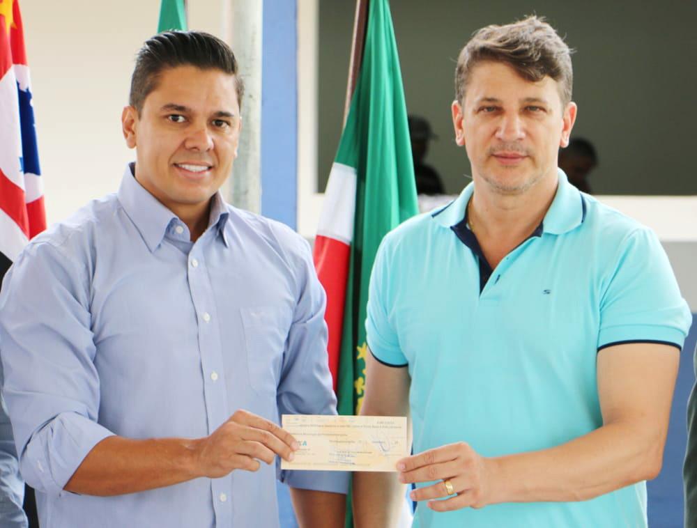 O prefeito Isael Domingues (Foto: Reprodução