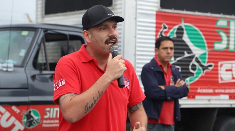 Trabalhadores da Bundy aprovam proposta de abono salarial.2
